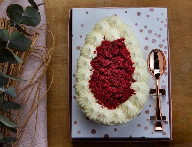 Red Velvet com creme a base de cream cheese